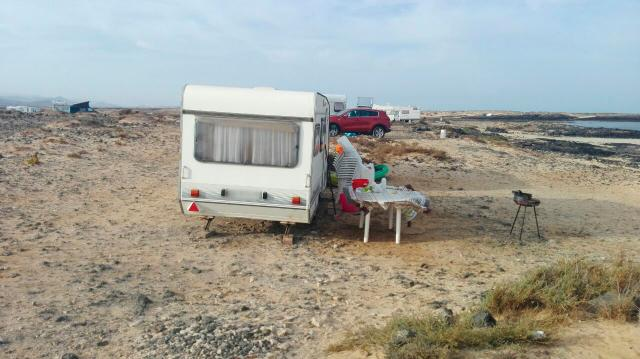 caravana acampada (Archivo)