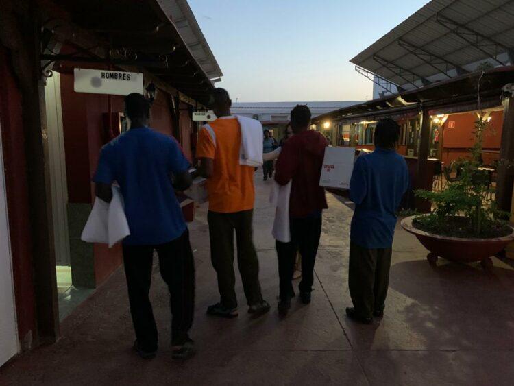 Llegada de migrantes a la sede de Misión Cristiana Moderna Foto: Archivo
