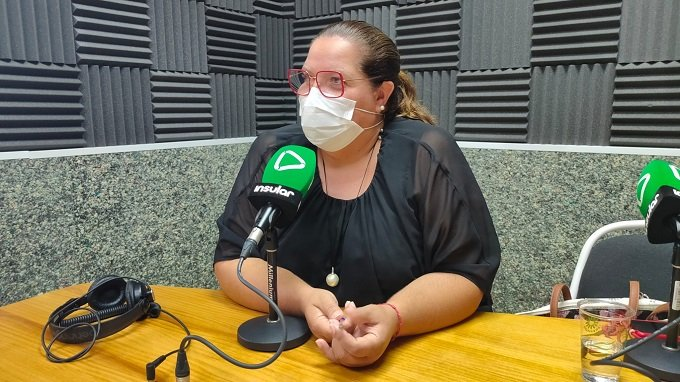 Candelaria Umpiérrez en Radio Insular