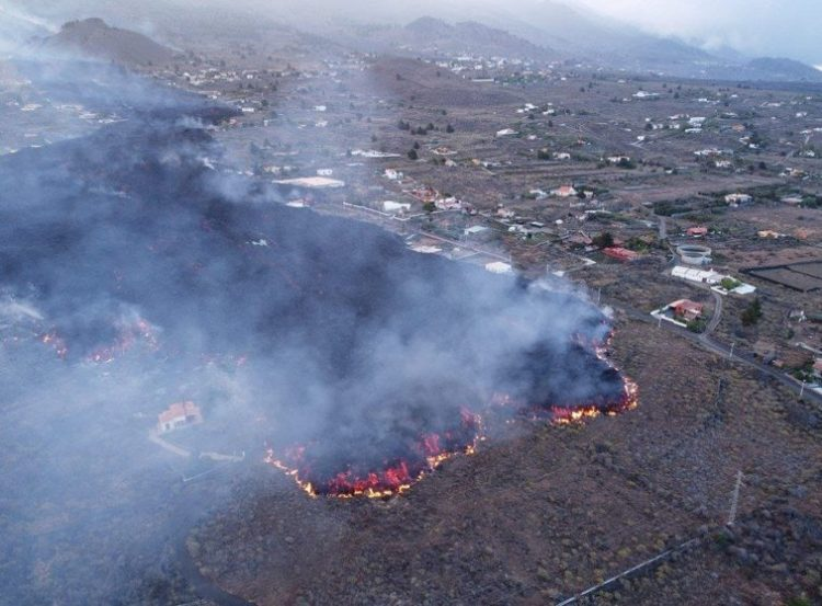 La lava se extiende por La Palma (Fuerteventura Hoy / Radio Insular)