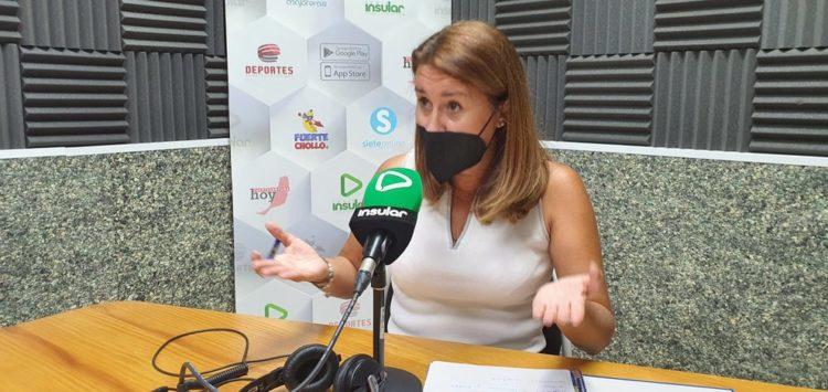 Lola García en Radio Insular